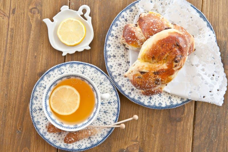 Kopp te med skivan av citronen royaltyfri fotografi