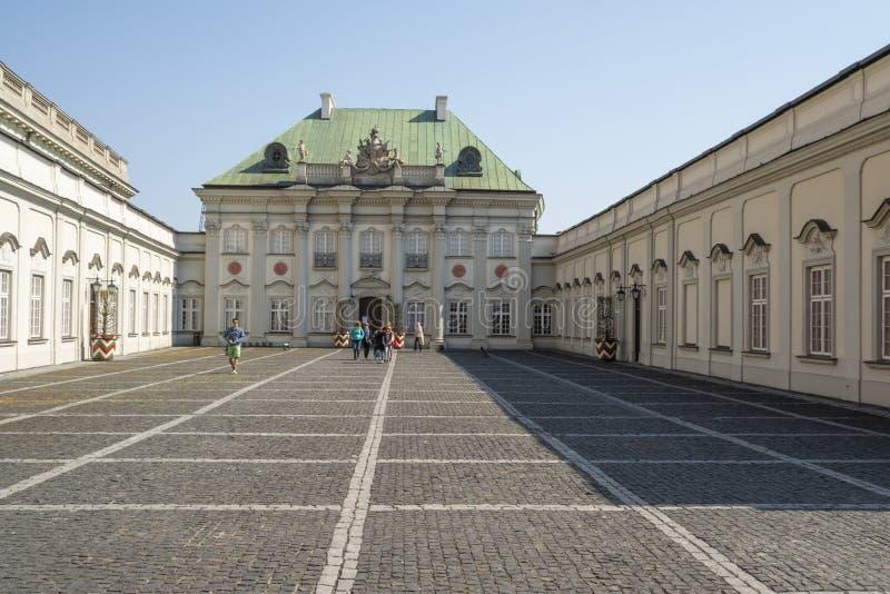 Koppar-tak slott i Warszawa arkivfoton