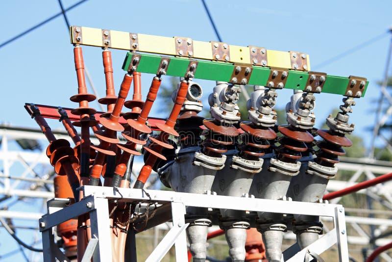 Kopparkontaktdon av en transformator av en pro-kraftstation av energi fotografering för bildbyråer