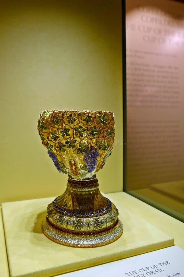 Koppen av koppen för helig gral arkivbilder