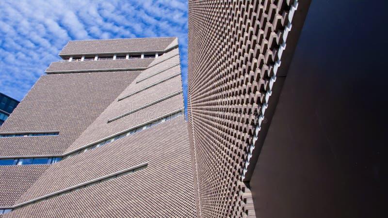 Koppla huset, ny vinge av Tate Modern Art Gallery, London, Engla fotografering för bildbyråer