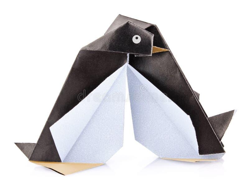 Koppla ihop den älska pingvinorigamien royaltyfri fotografi