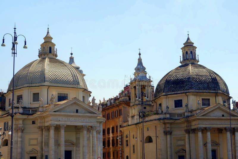 Koppla samman kyrkor, Piazza del Popolo, Rome, Italien arkivfoton