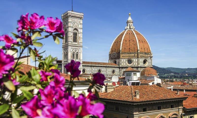 Kopuła katedralny kościelny Santa Maria Del Fiore zakończenie up przy wiosna dniem, Florencja, Włochy, retro stonowany obrazy royalty free