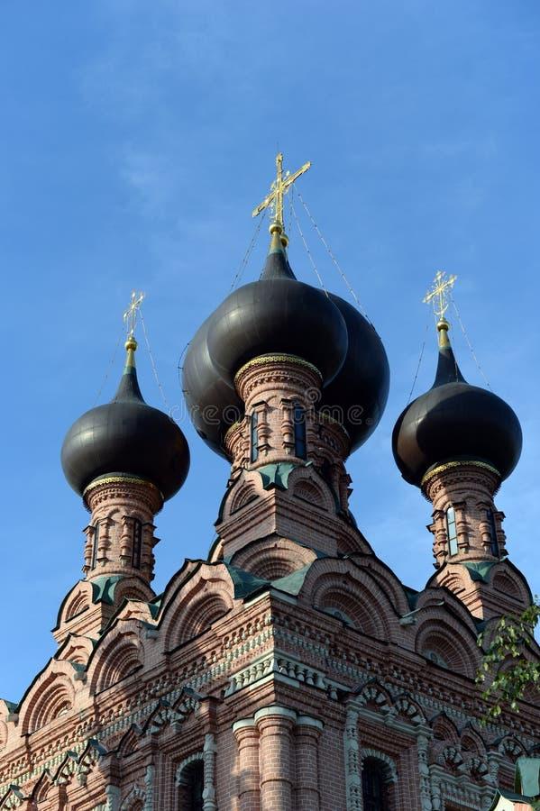 Kopuły kościół daje trójca w Ostankino zdjęcie stock