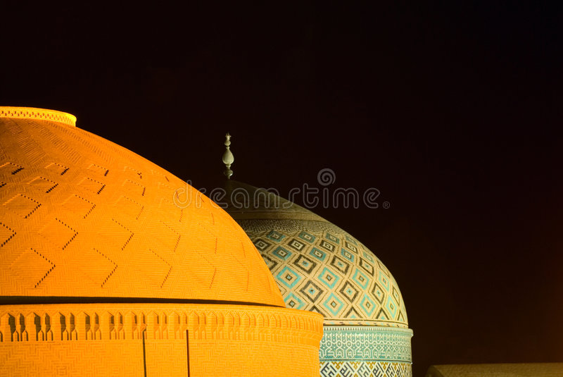 Kopuły meczet w noc fotografia stock