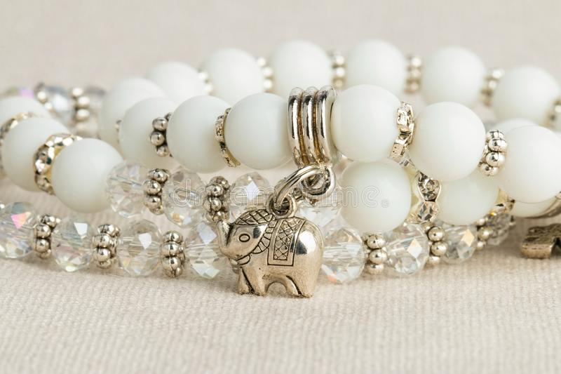 Download Koralik biżuteria obraz stock. Obraz złożonej z gemstone - 57663393