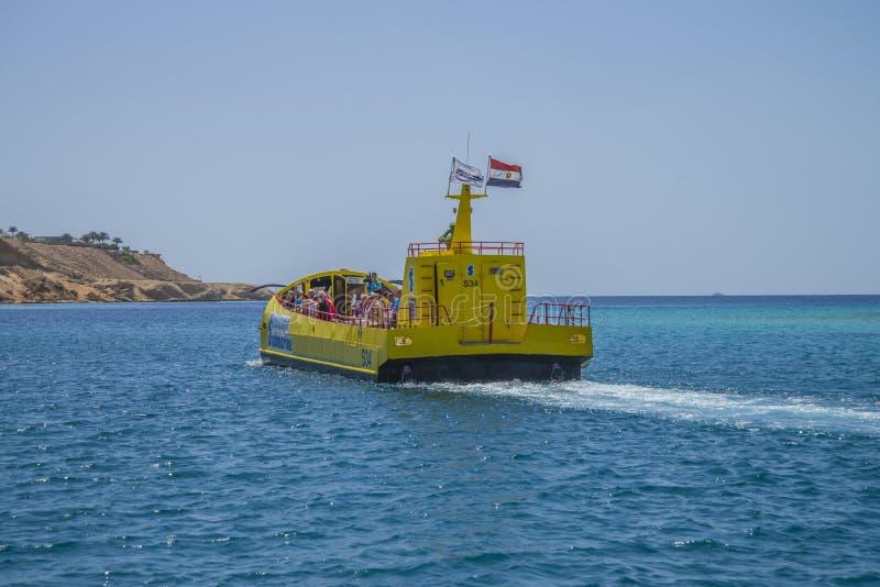 Korallubåt i Sharm El Sheikh arkivbilder