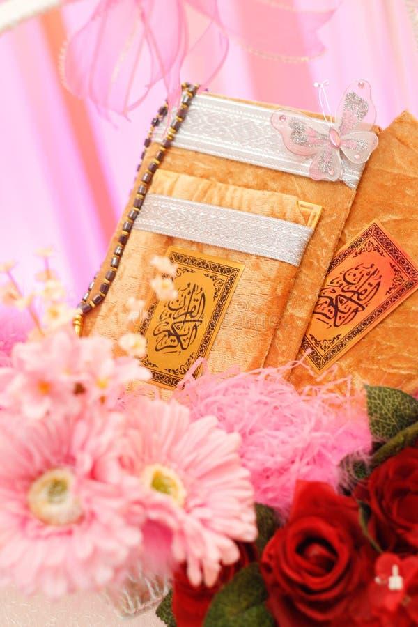Koran teraźniejszy dla panny młodej obrazy stock