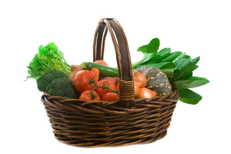 Korb des Markt-Gemüses stockbilder