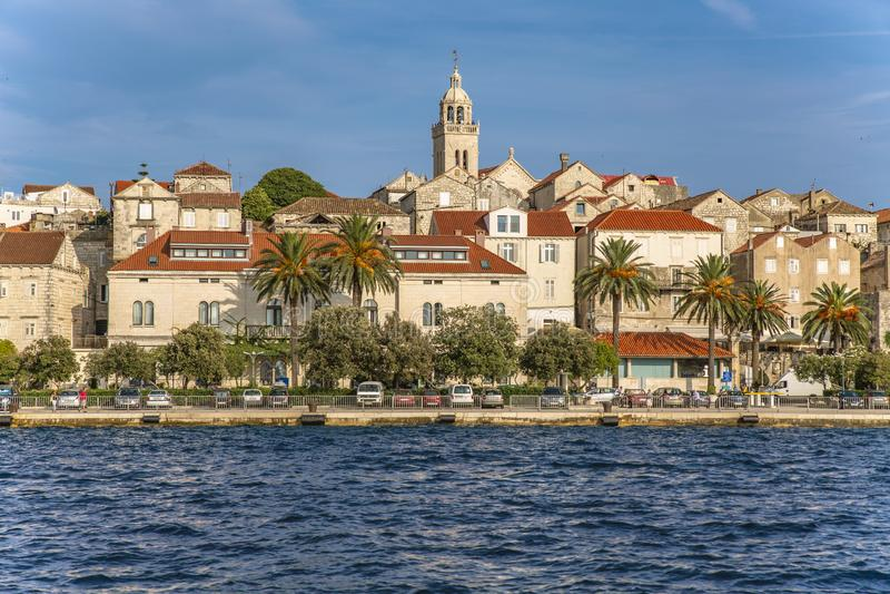 Korcula镇的全景, Korcula海岛,达尔马提亚,克罗地亚 免版税库存图片