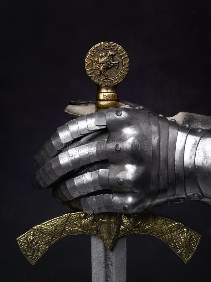 Kordzik krzyżowiec i rycerz rękawiczka zdjęcia stock