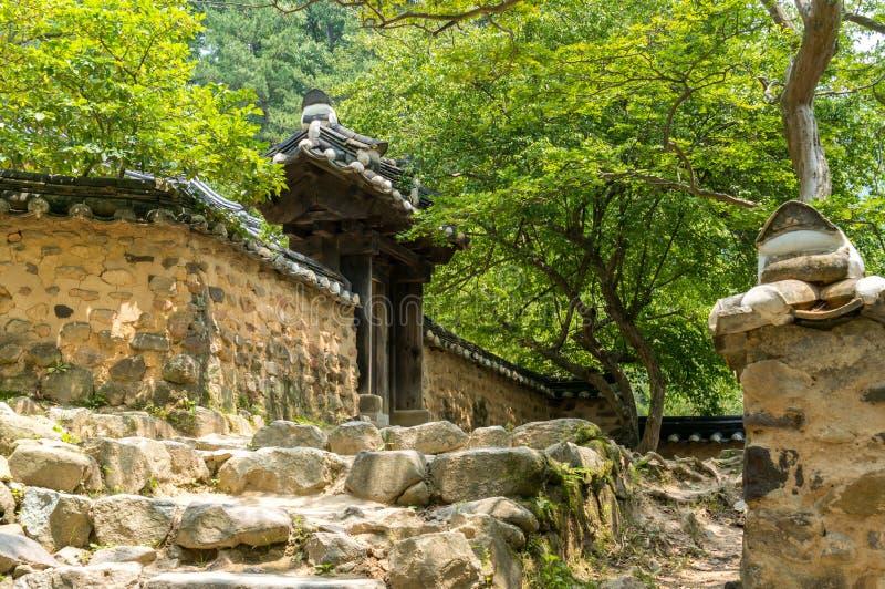 Koreański tradycyjny świątynny wejście zdjęcie royalty free
