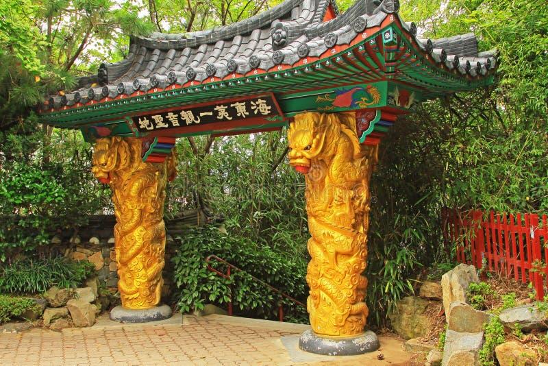 Korea Busan Haedong Yonggungsa tempel fotografering för bildbyråer