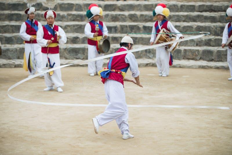 Koreaanse Volksdansers en Musici stock foto