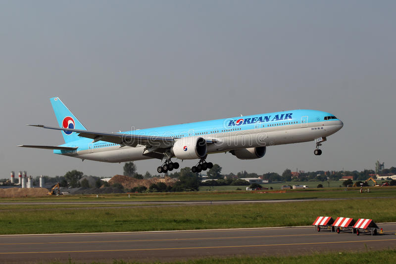 Korean Air Boeing 777-3B5/ER foto de stock