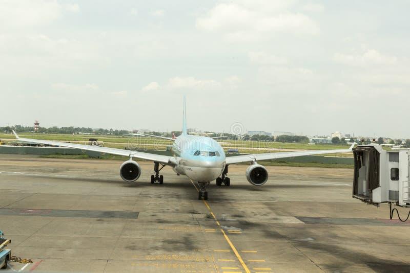 Korean Air på Tan Son Nhat International Airport, HCM, Vietnam royaltyfri foto
