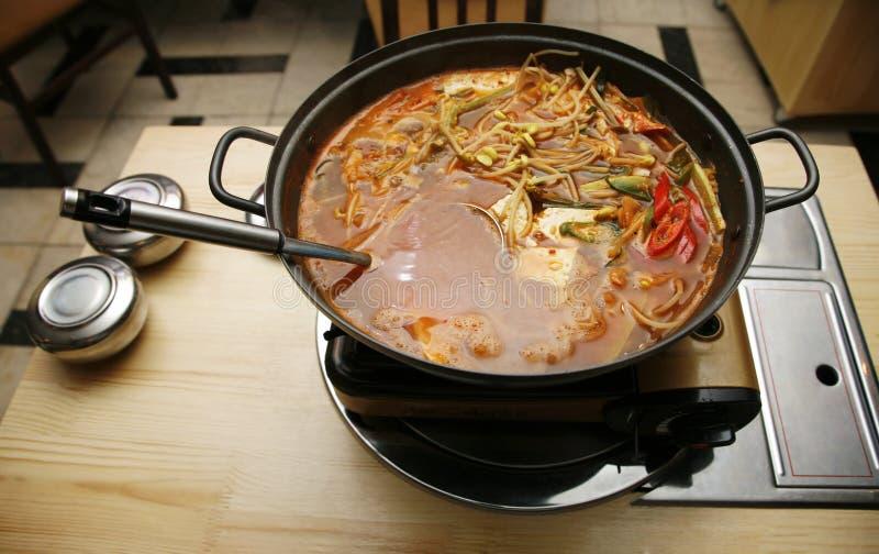 Koreanische Suppe stockfotografie