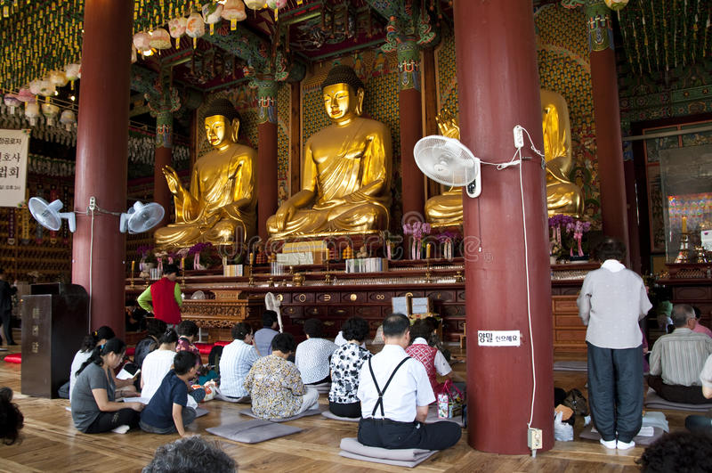 Koreanischer buddhistischer Tempel stockfotografie