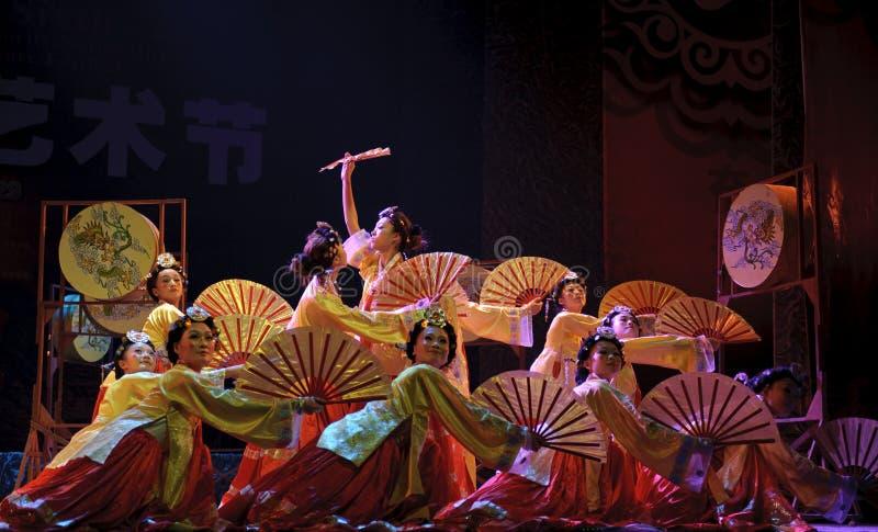 Koreanischer ethnischer Tanz stockfotos
