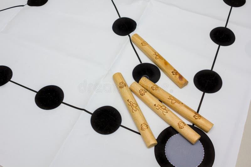 Koreanisches traditionelles Spiel yut nori lizenzfreie stockbilder