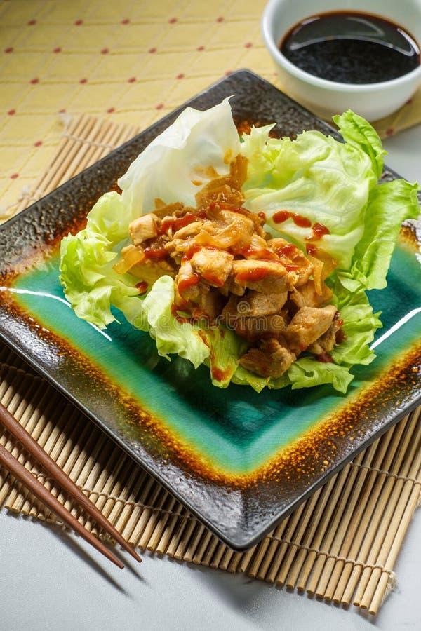Koreansk smörgåsgrönsallatsjal royaltyfria foton