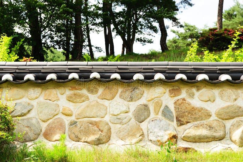 koreansk traditionell vägg royaltyfria foton
