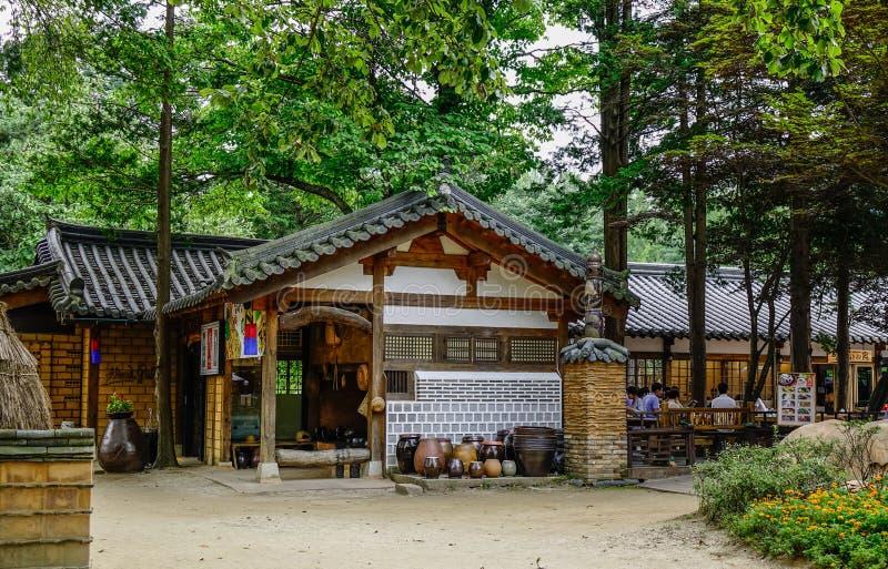 Koreanskt traditionellt hus eller Hanok royaltyfri bild