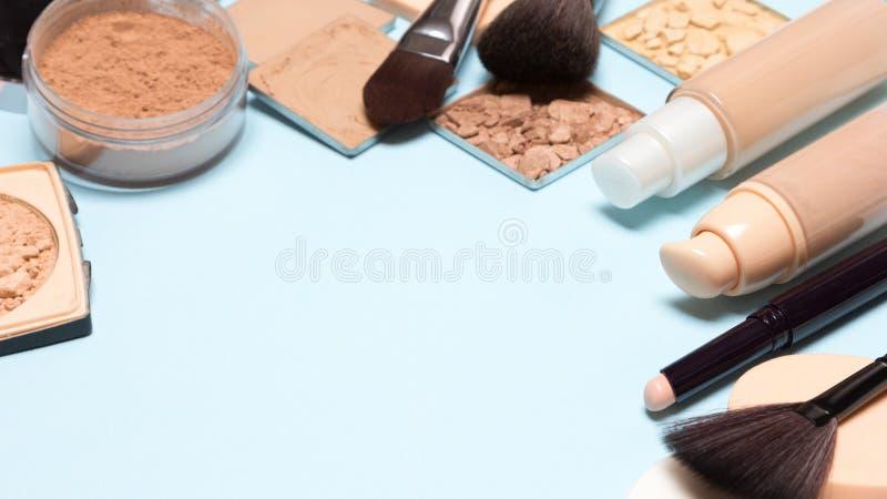 Korekcyjny makijaż ustawiający z kopii przestrzenią fotografia royalty free