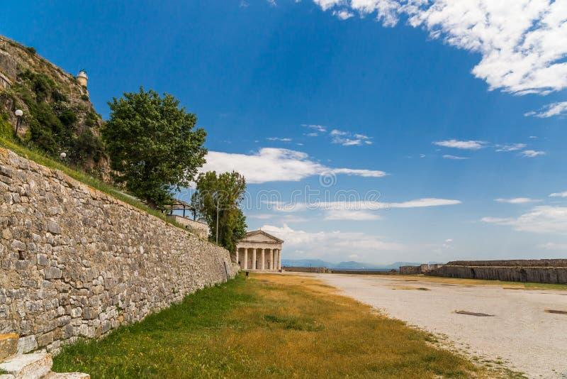 Korfu ö St George i slotten Grekland arkivbild