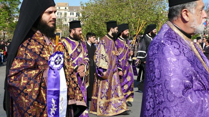 KORFU, GRIECHENLAND - 7. APRIL 2018: Prozession mit den Relikten des Schutzpatrons von Korfu, Heiliges Spyridon Litanei von St. S stockfoto