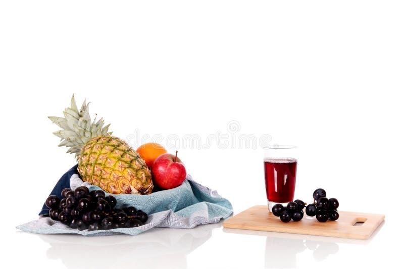 korgfruktfruktsaft arkivbild