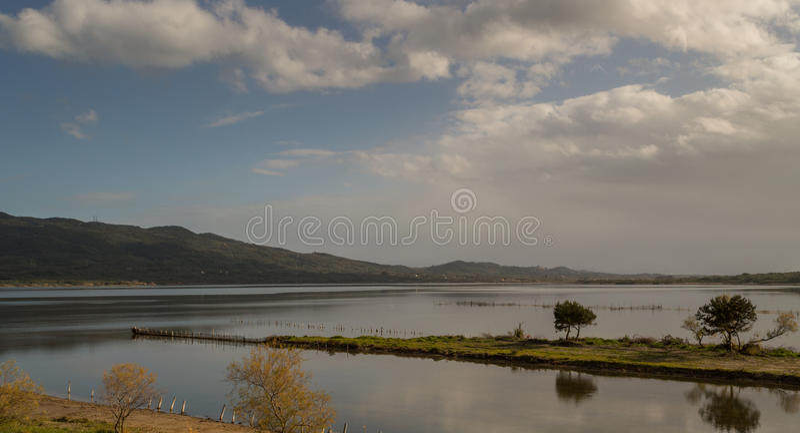 Korission jeziora krajobraz w Corfu Grecja obrazy stock
