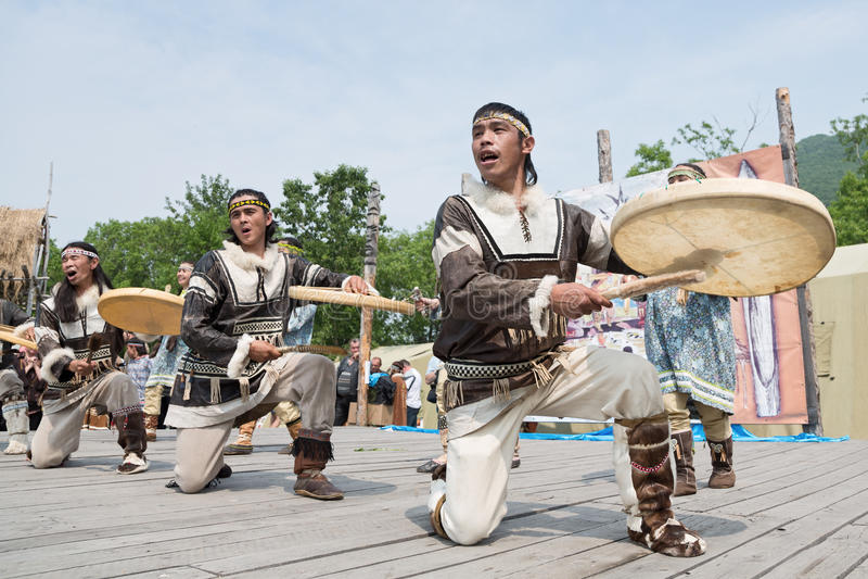 KORITEV的表现-堪察加全国青年舞蹈合奏 免版税库存图片
