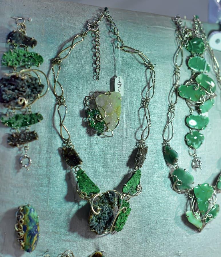 Korne und Halsketten stockbilder