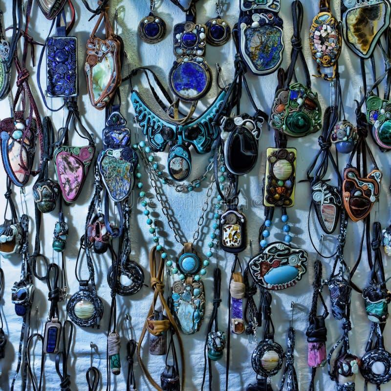 Korne und Halsketten lizenzfreie stockbilder