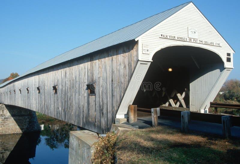 Kornische-Windsor abgedeckte Brücke in NH stockfotografie