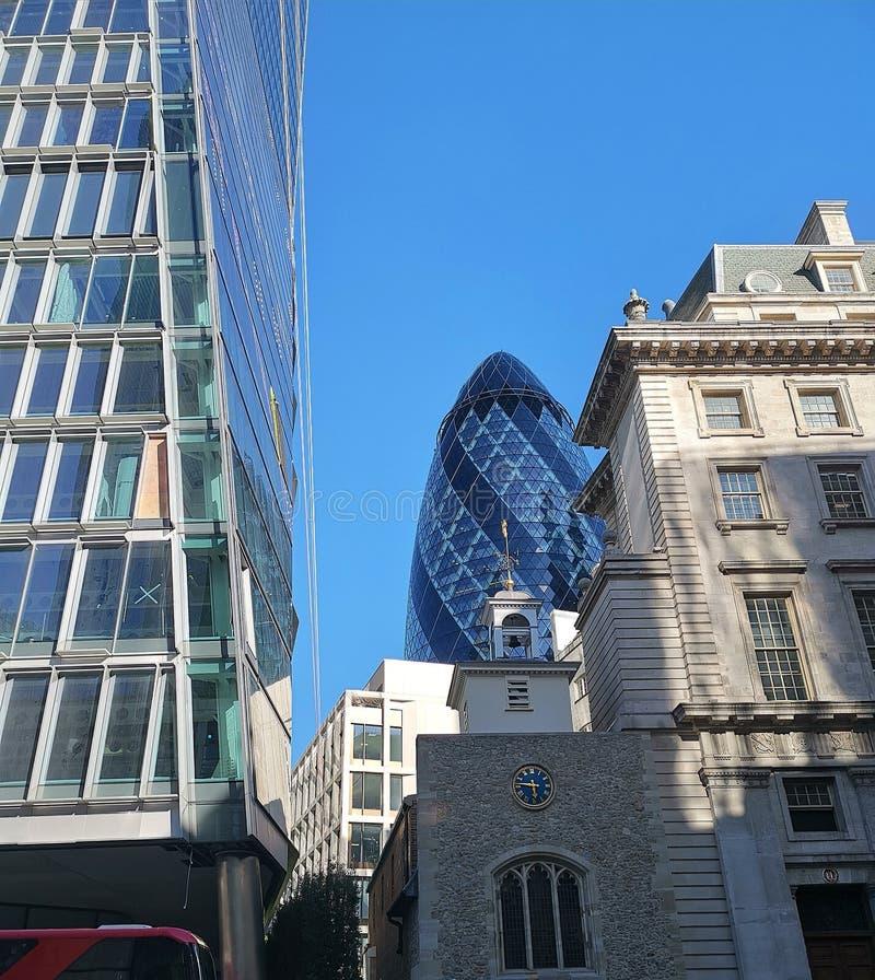 Korniszon kryjówka aport, Londyn - i - obraz stock