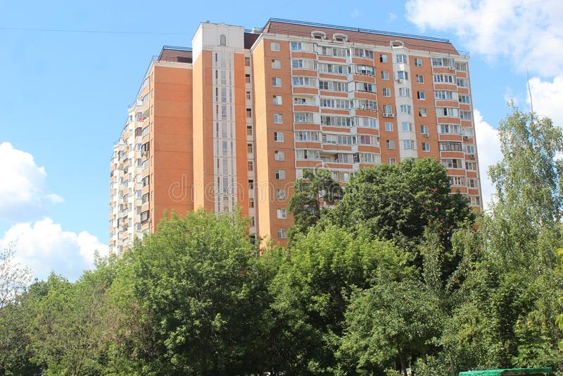 Korolyov går Kostino område Gorky gata arkivfoton