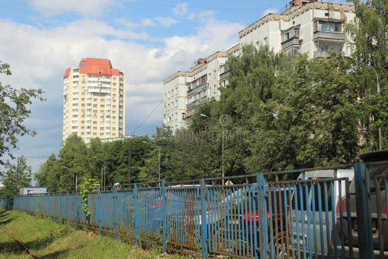 Korolyov går Kostino område Kommungata arkivbilder