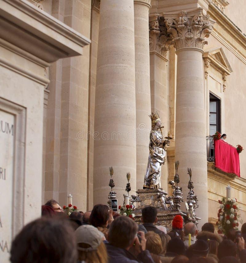 Download Korowód święty Lucia, Syracuse Obraz Stock Editorial - Obraz złożonej z luciana, włochy: 28951379