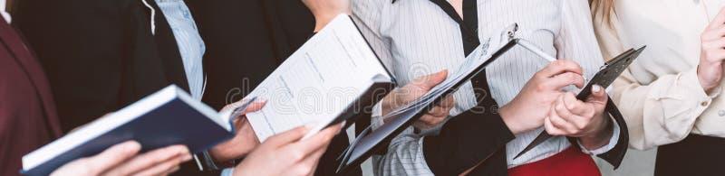 Korporacyjnych stażowych kobiet umiejętności biznesowa władza zdjęcie royalty free