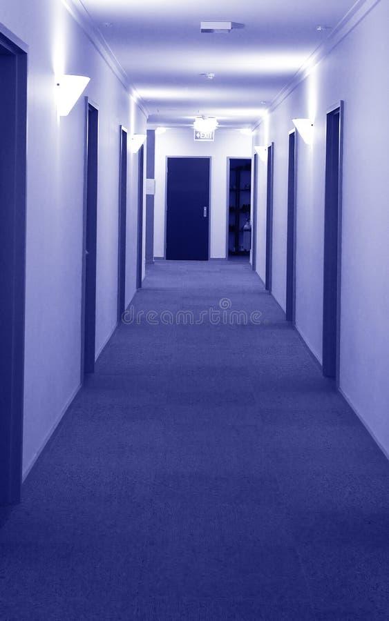 Download Korridor arkivfoto. Bild av lokal, long, utgång, dörr, korridor - 501626