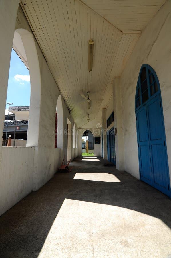 Korridor der alten Moschee von Masjid Jamek Jamiul Ehsan a K ein Masjid Setapak lizenzfreie stockfotografie