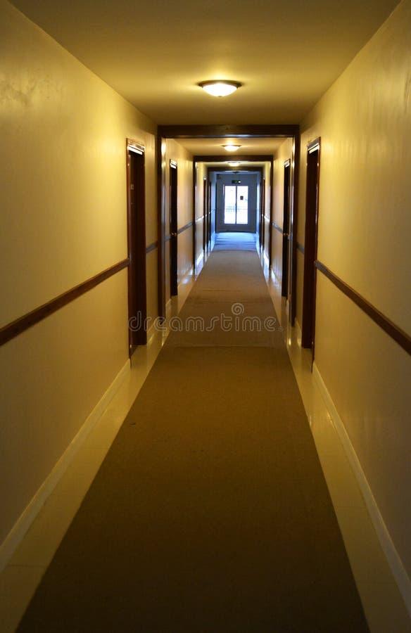 Korridor des Hotels lizenzfreies stockbild