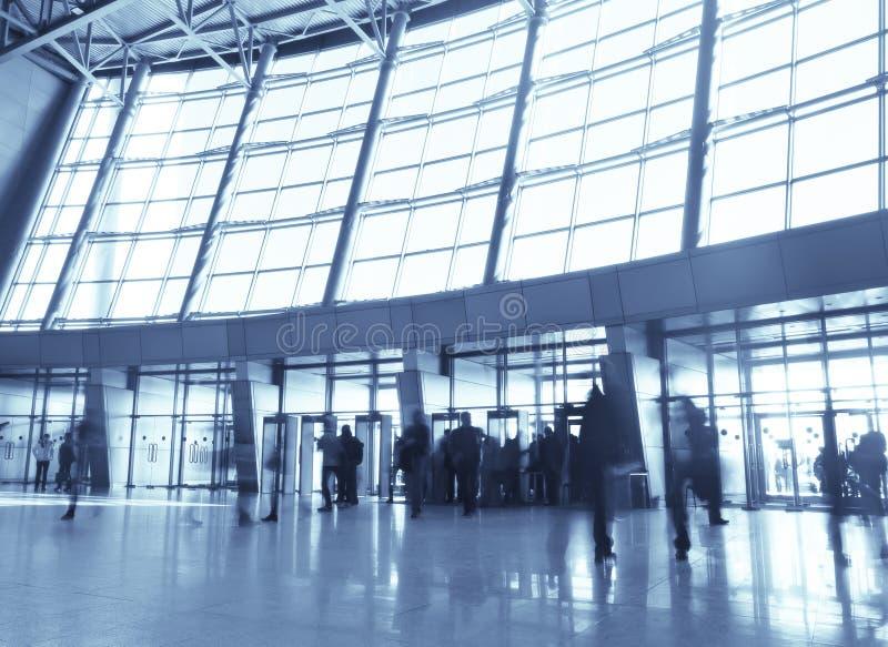 korridor för affär för arkitekturgrupp blå arkivbilder