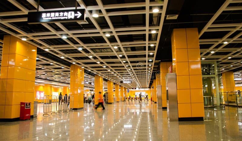Korridor för Guangzhou södra stationsstation fotografering för bildbyråer