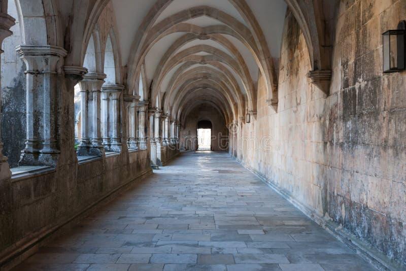 Korridor im Kloster von Batalha stockbilder
