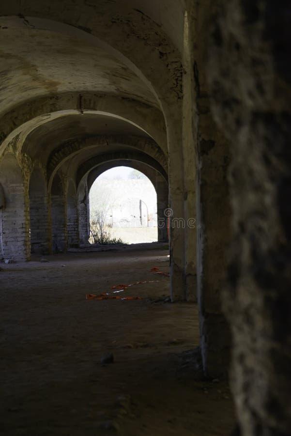 Korridorbaksida av huset av det koloniala huset i Mexiko fotografering för bildbyråer