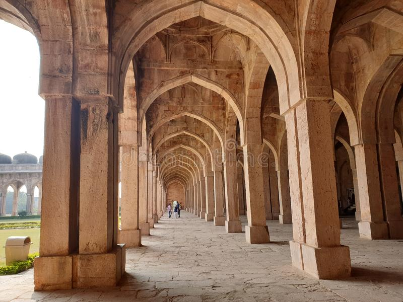 Korridore, historischer Platz, Brown-Felsen, Nizza, Kombination, Bild lizenzfreies stockbild